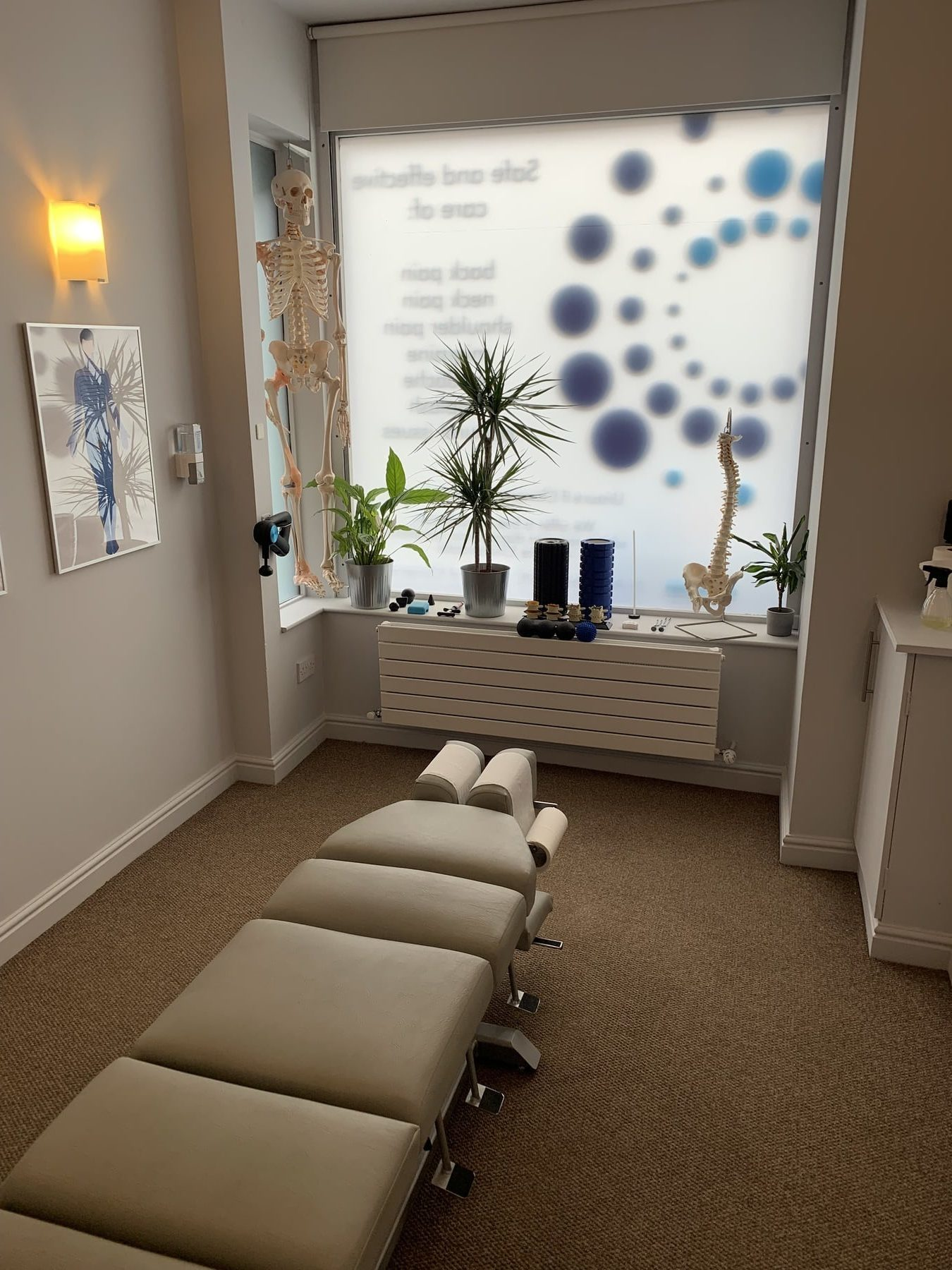 About us chiropractic treatment room 1